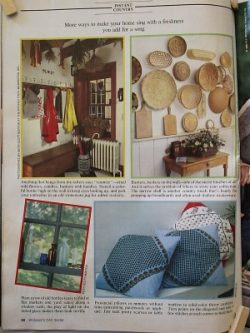 country-style-mud-room-baskets-pillows