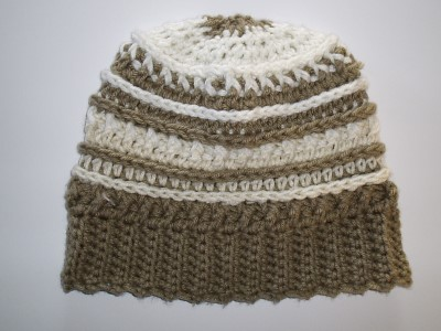 crocheted-beanie-hat-taupe-off-white-web