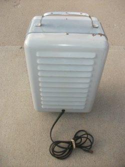 titan-milkhouse-heater-1760a-vintage-bk-web
